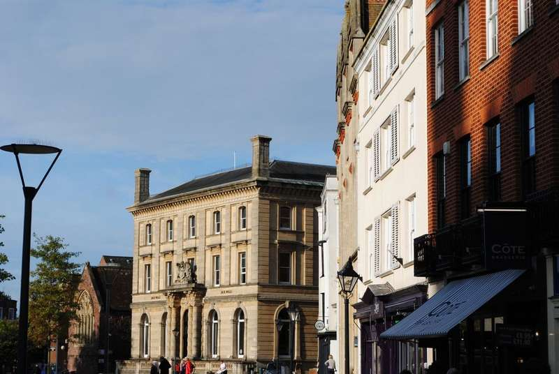 3 Bedrooms Flat for sale in Cathedral Yard, Exeter
