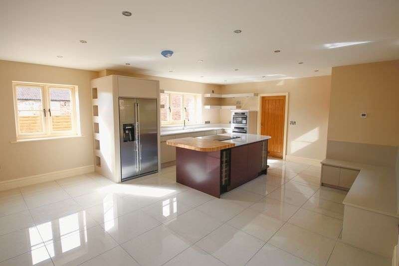 4 Bedrooms Detached House for sale in Plot 6 Beechwood Close, York