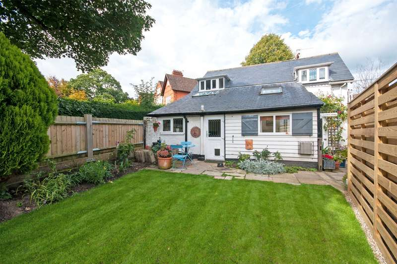 3 Bedrooms Detached House for sale in Old Reigate Road, Betchworth, RH3