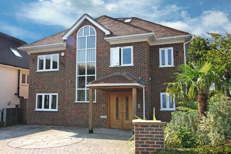 5 Bedrooms Detached House for sale in Chester Road Chigwell