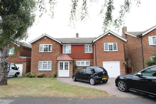 5 Bedrooms Detached House for sale in Cob Drive, Shorne, Gravesend