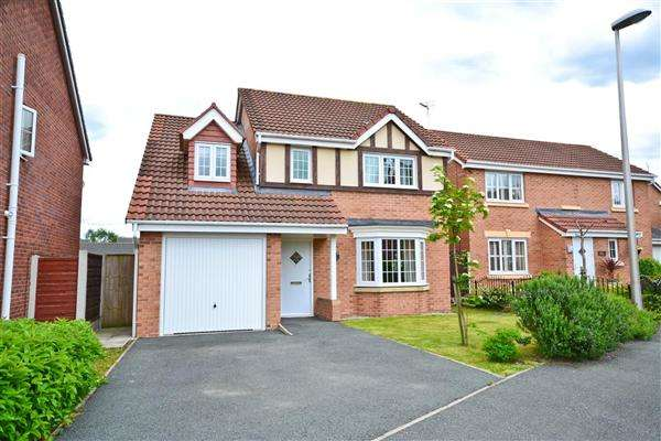 4 Bedrooms Detached House for sale in Vale Gardens, Springview