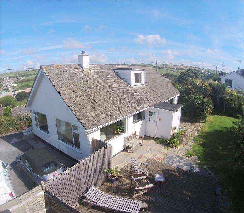 4 Bedrooms Detached Bungalow for sale in Station Road, Perranporth