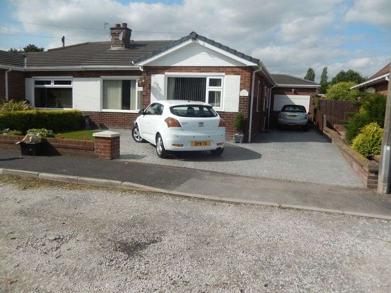 2 Bedrooms Semi Detached Bungalow for sale in Castle Hill, Newton-Le-Willows