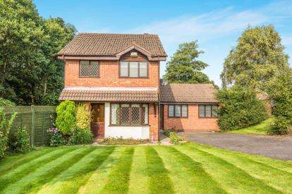 4 Bedrooms Detached House for sale in Balmoral Road, Four Oaks, Sutton Coldfield, West Midlands