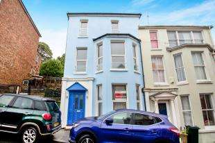 4 Bedrooms End Of Terrace House for sale in The Crescent, Sandgate, Folkestone, Kent