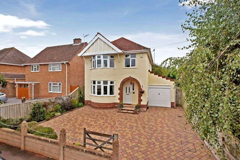 4 Bedrooms Detached House for sale in WHITMORE ROAD