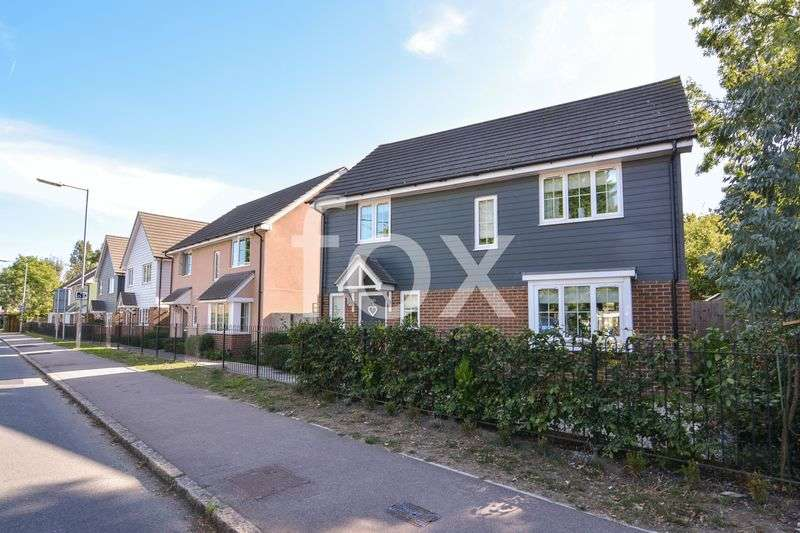 4 Bedrooms Detached House for sale in Rectory Road, Rochford