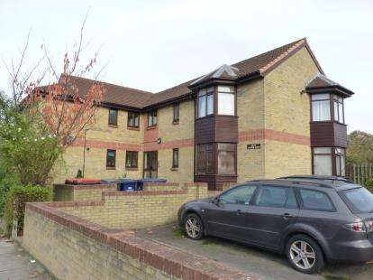 Flat in  Brent View Road  London  NW9  Richmond