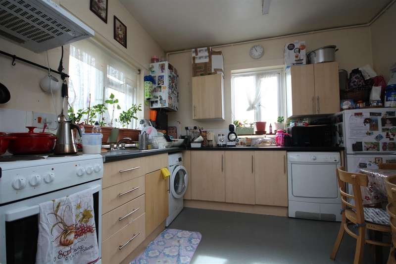 Flat in  Goodson Road  Harlesden  NW10  Richmond