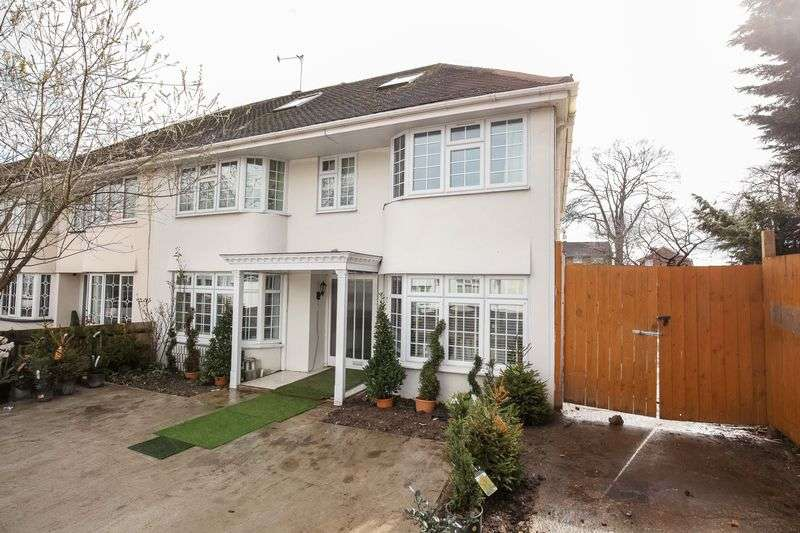 House in  Helgiford Gardens  Sunbury-on-thames  TW16  Richmond