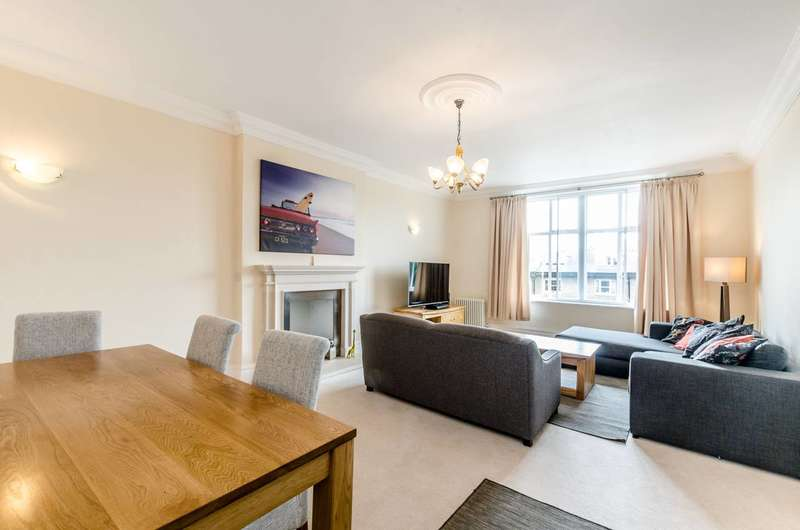 Flat in  Belsize Park Gardens  London  NW3  Camden