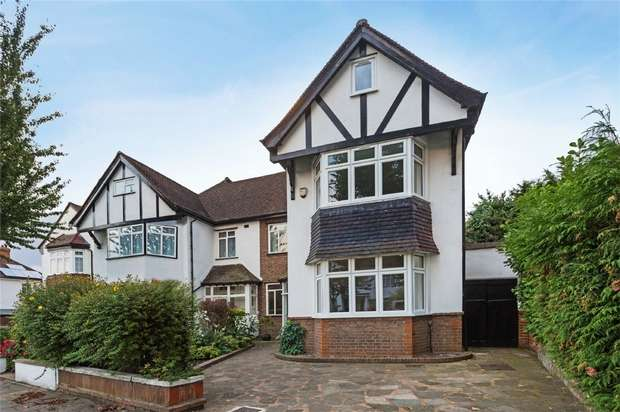 Detached house in  Evelyn Grove  London  W5  Richmond