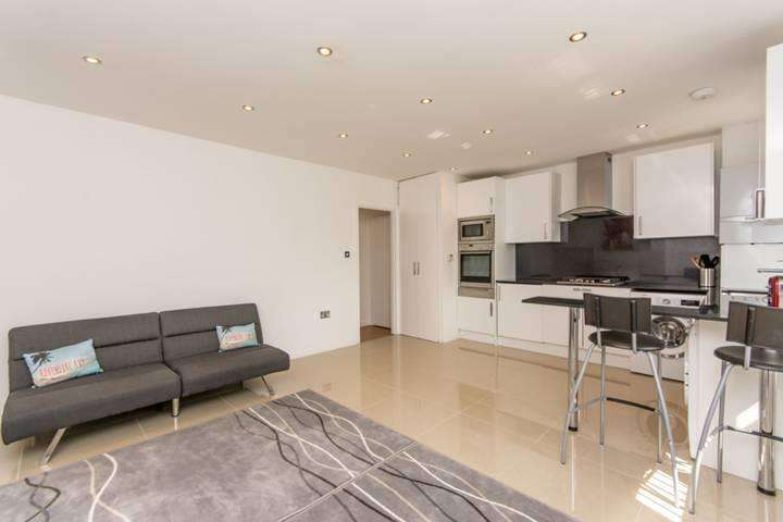 Flat in  Cecil Road  London  NW10  Richmond