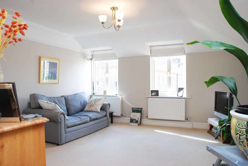 Flat in  Beaufort Road  Twickenham  TW1  Richmond