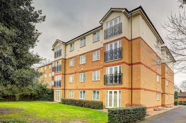 Flat in  Galsworthy Road  Kingston Upon Thames  KT2  Richmond