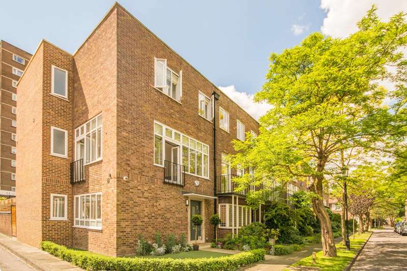 House in  Middle Field  St. Johns Wood  NW8  Richmond