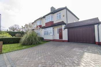 3 Bedrooms Semi Detached House for sale in Woodyates Road, Lee, London SE12