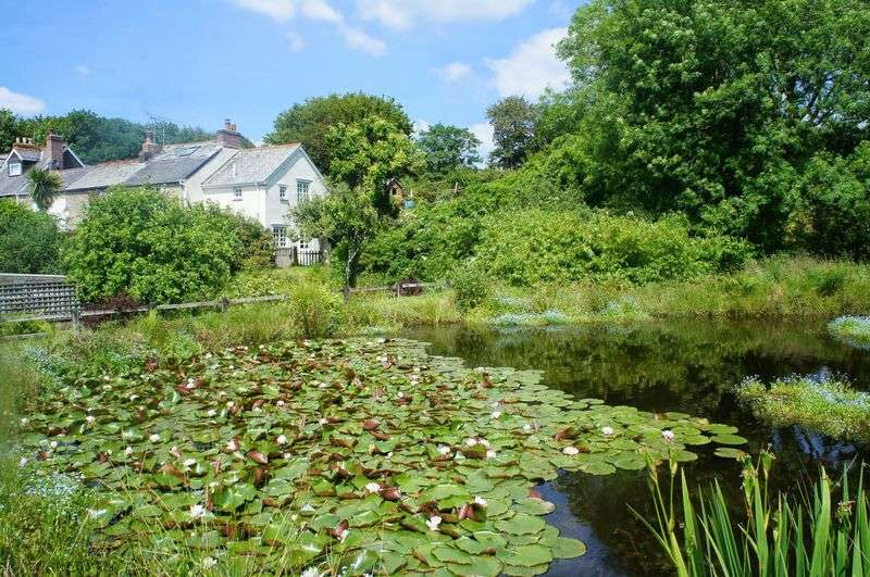 3 Bedrooms Terraced House for sale in Polscoe, Lostwithiel