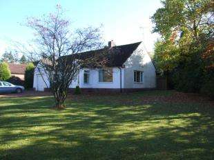 3 Bedrooms Bungalow for sale in Runnymede Road, Darras Hall, Ponteland, Northumberland, NE20