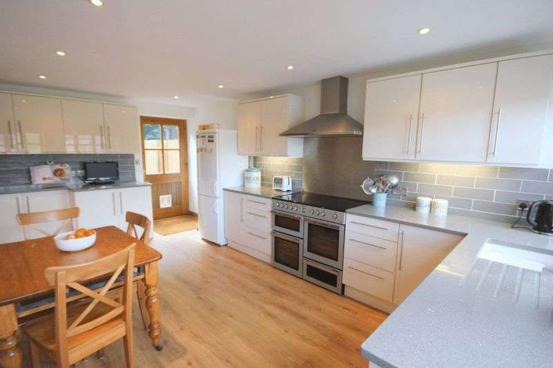 4 Bedrooms Terraced House for sale in Winghouse Lane, Tittensor