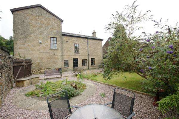 4 Bedrooms Detached House for sale in Richmond Lodge, Huddersfield Road, Tameside