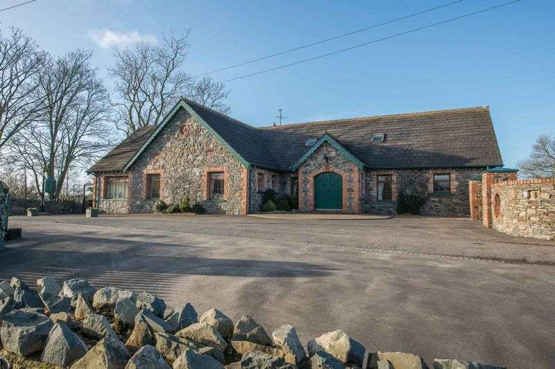 3 Bedrooms Detached House for sale in 14 Tullyveery Road, Killyleagh BT30 9TD