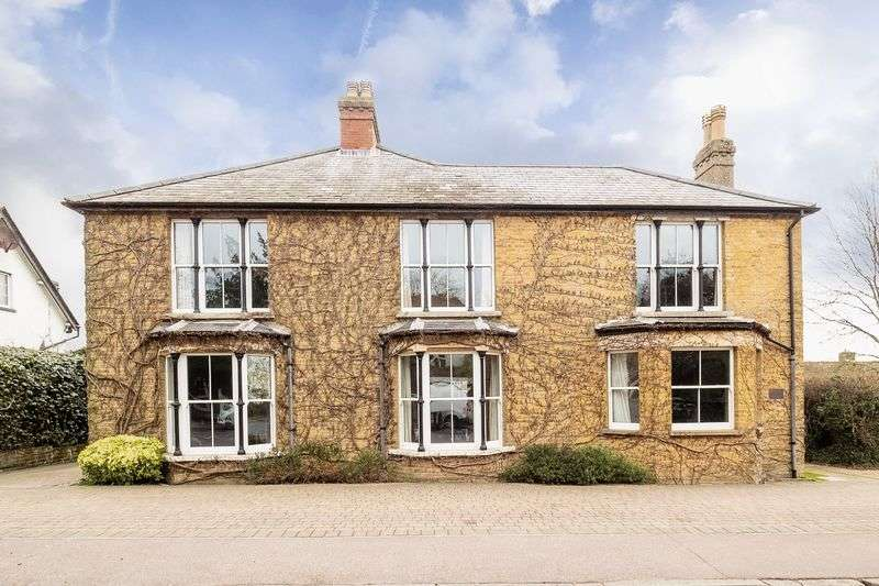 6 Bedrooms Detached House for sale in Northaw, Nr. Potters Bar, Herts