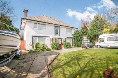 5 Bedrooms Detached House for sale in Far Moss Road, Liverpool, Merseyside, L23