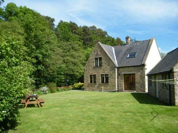 3 Bedrooms House for sale in Font Ford Lodge, Mitford - Three Bedroom Detached Stone Built House