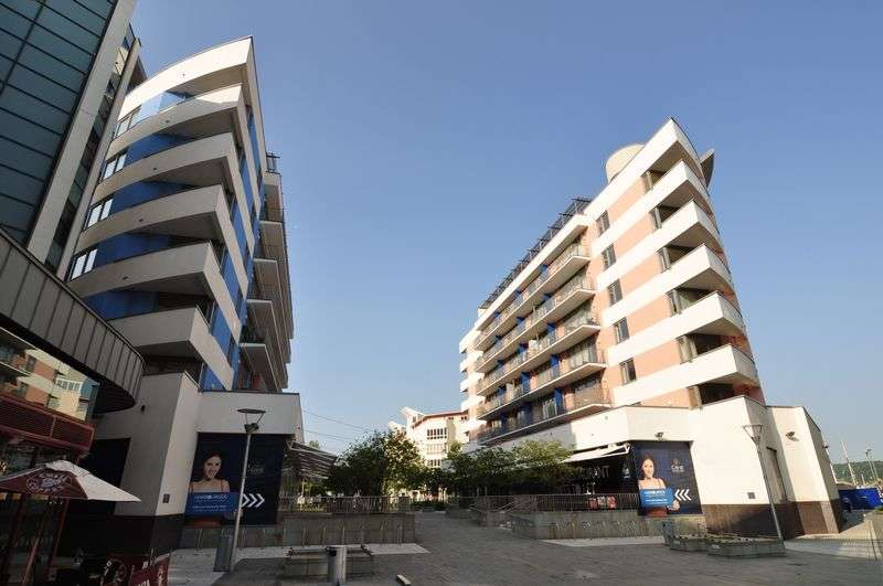 2 Bedrooms Flat for sale in Waverley House, Bristol, BS1
