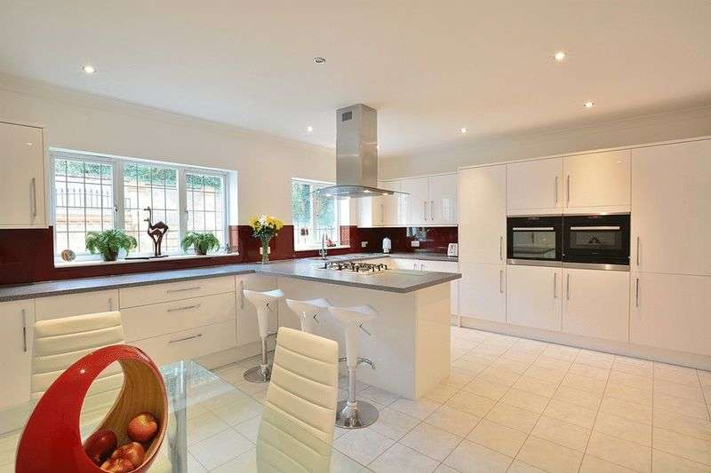 5 Bedrooms Detached House for sale in Raglan Road, REIGATE, Surrey