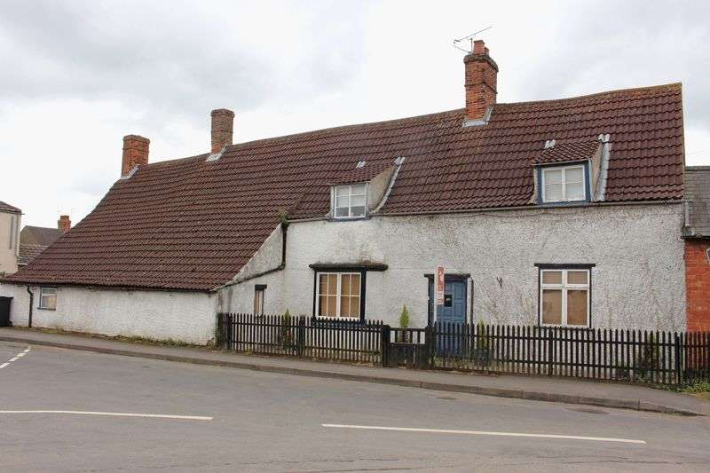 6 Bedrooms Detached House for sale in Victoria Place, Bourne