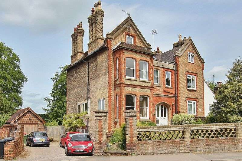 4 Bedrooms Semi Detached House for sale in Town Centre, Guildford