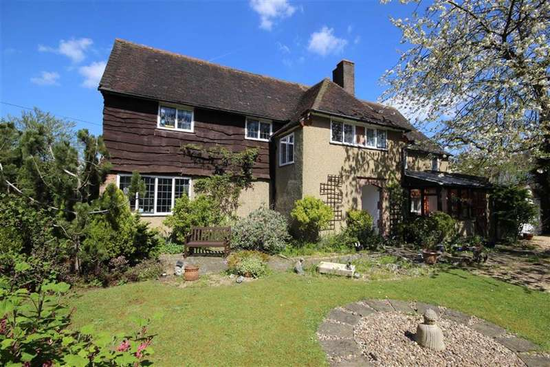 4 Bedrooms Property for sale in The Fairfield, Farnham