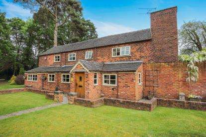 3 Bedrooms Detached House for sale in Dunnockswood, Alsager, Stoke-On-Trent, Cheshire