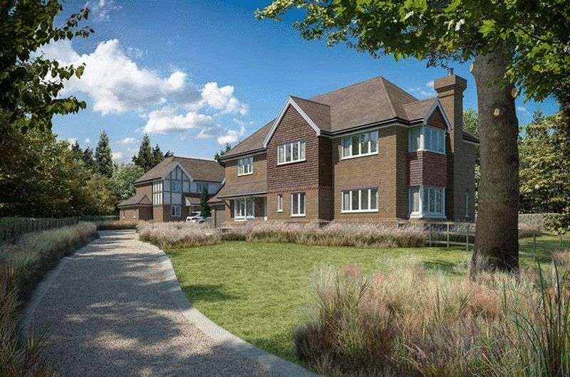 5 Bedrooms Detached House for sale in Westhall Road, Warlingham