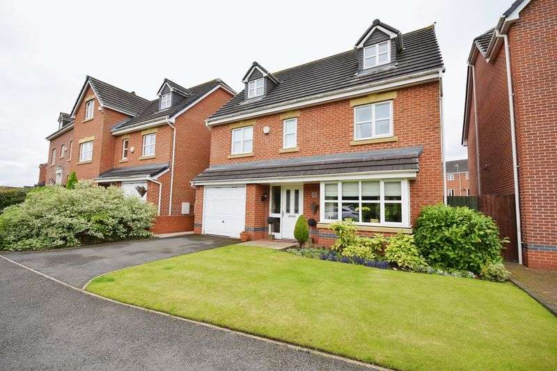 5 Bedrooms Detached House for sale in Moorefields View, Norton Heights