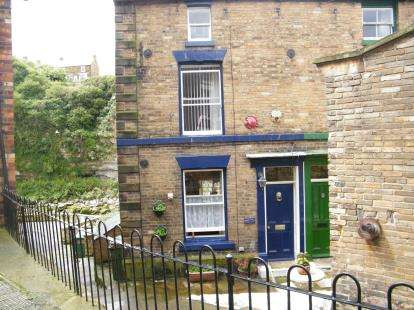 3 Bedrooms Semi Detached House for sale in Wesley Square, Staithes, Saltburn-By-The-Sea, North Yorkshire