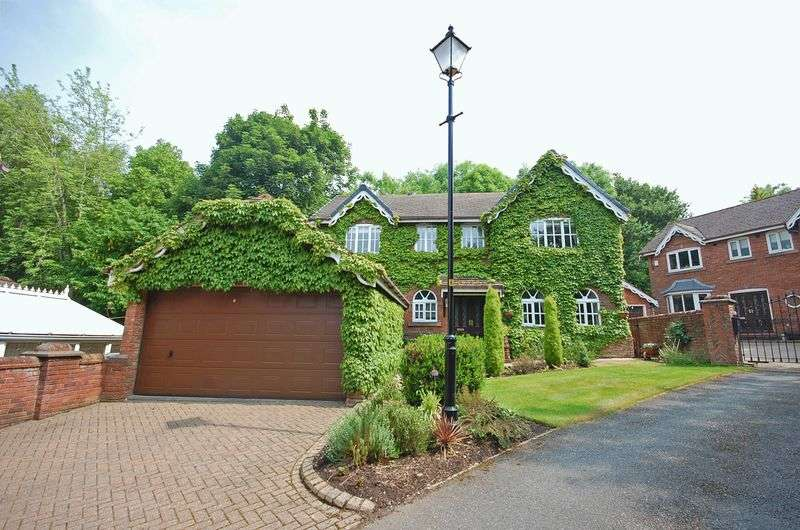 4 Bedrooms Detached House for sale in 15 Orchard Rise , Hyde