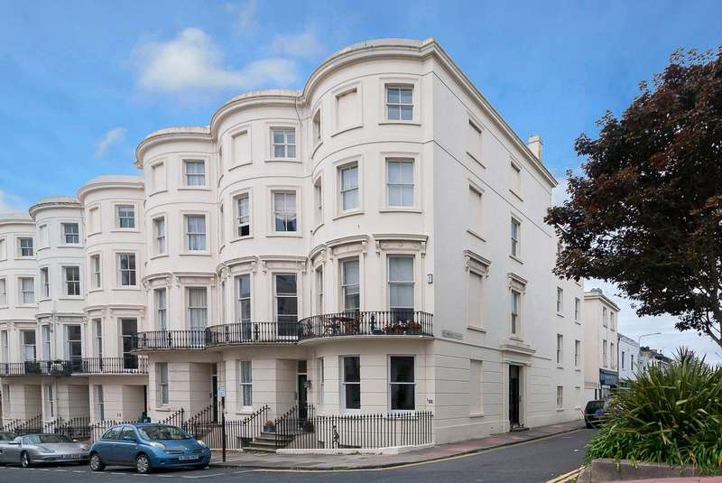 5 Bedrooms Terraced House for sale in Eaton Place, Brighton, East Sussex, BN2