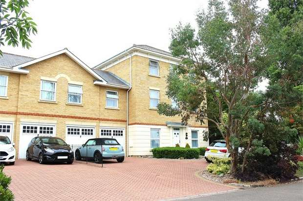 6 Bedrooms Link Detached House for sale in Dunmow, Essex