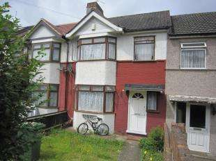 3 Bedrooms Terraced House for sale in Bastion Road, London