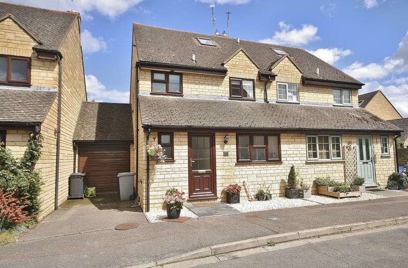 4 Bedrooms Semi Detached House for sale in NEWLAND MILL, Witney OX28 3SZ