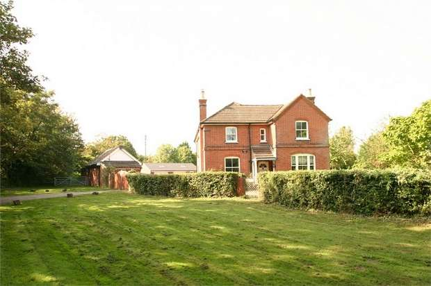 4 Bedrooms Detached House for sale in Stringers Farm, Stringers Common, GUILDFORD, Surrey