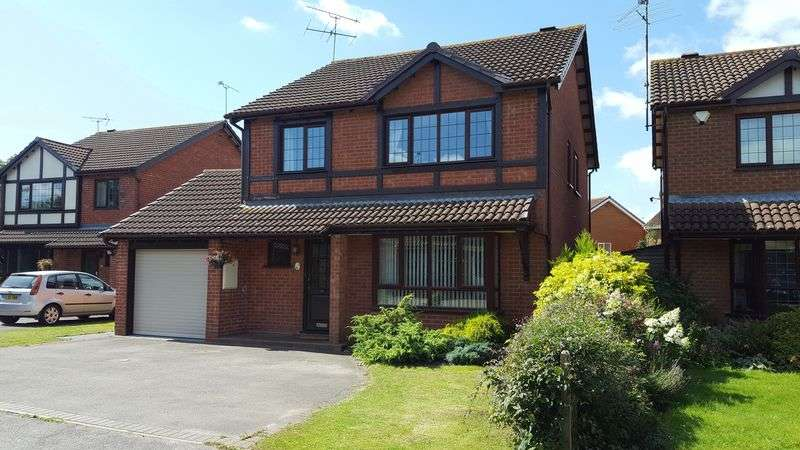 4 Bedrooms Detached House for sale in Beaver Way, Woodley Airfield