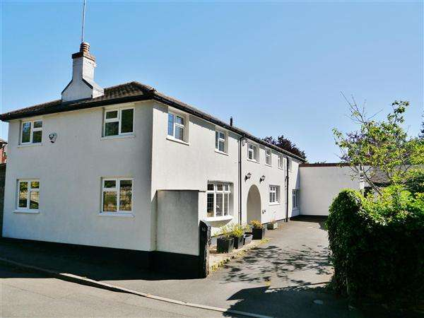 4 Bedrooms Property for sale in Pond Street, Harlaxton, Grantham
