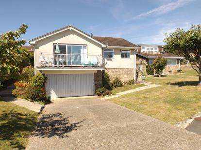 3 Bedrooms Bungalow for sale in Seaview, Isle Of Wight