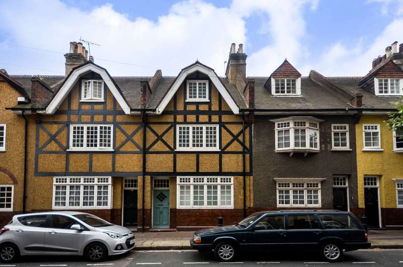 3 Bedrooms House for sale in Old Woolwich Road, Greenwich, SE10