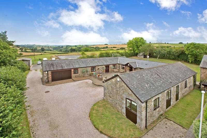 4 Bedrooms Detached House for sale in Ashburton, Newton Abbot